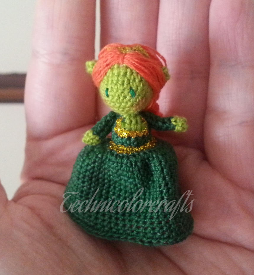 Fiona by technicolorcrafts