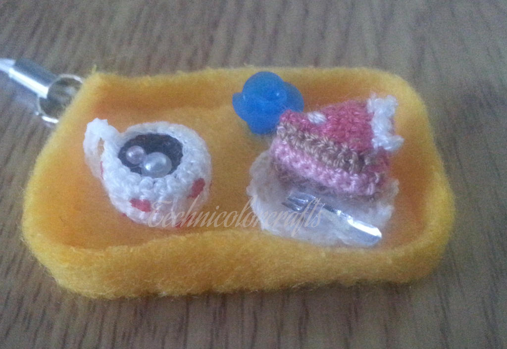Mini Crochet Cake an Coffee by technicolorcrafts