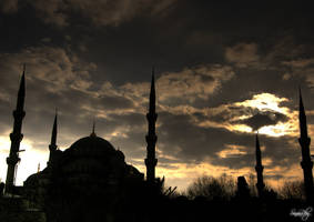 Silhouette of the Blue Mosque by sinanrby