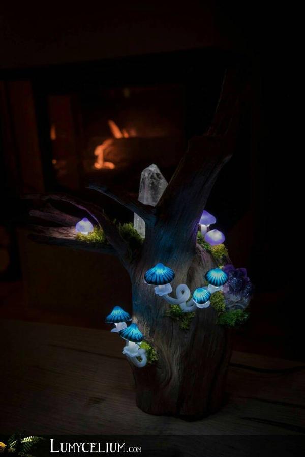 Lamp with lighting mushrooms by lumycelium