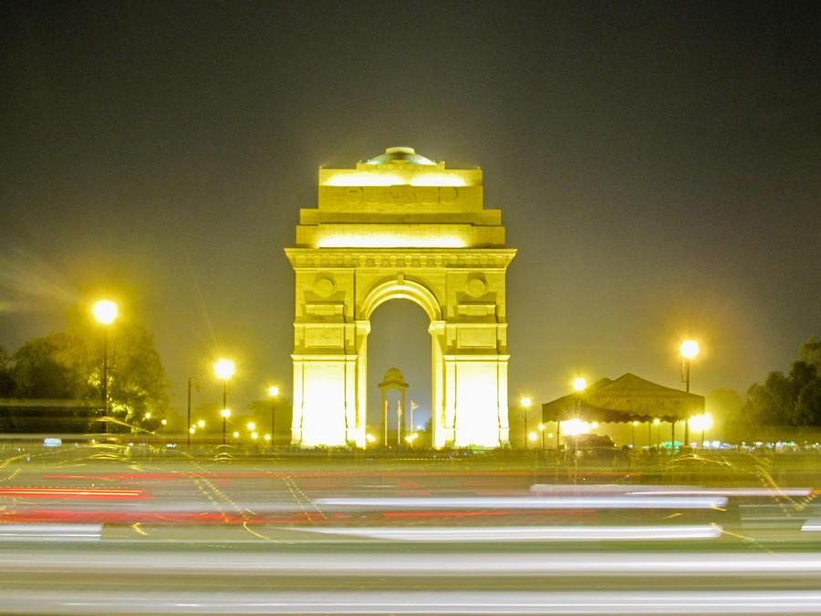 write essay on india gate
