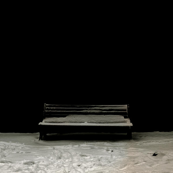 The bench and the dead leaf by mheuf