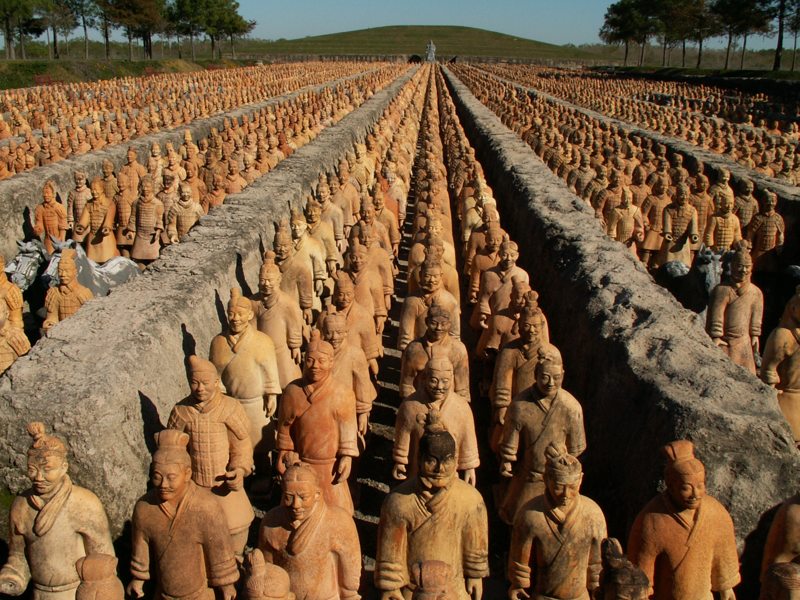 terra cotta soldiers of the qin The first excavation of the site lasted six years betweeen 1978 and 1984, during which some 1,087 clay soldiers were discovered  china's qin terracotta army.