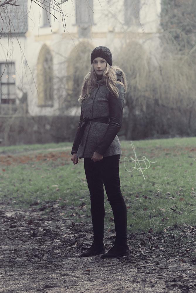 Winter by Loistavia