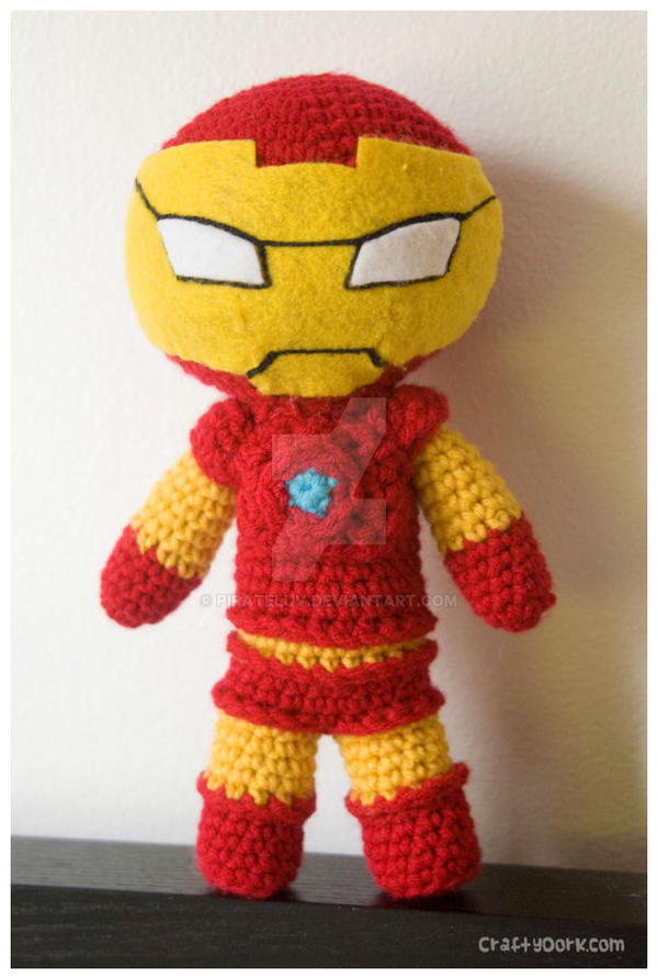 iron man amigurumi by pirateluv