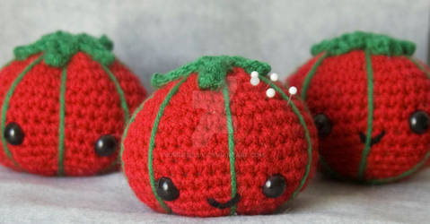 kawaii tomato pincushion