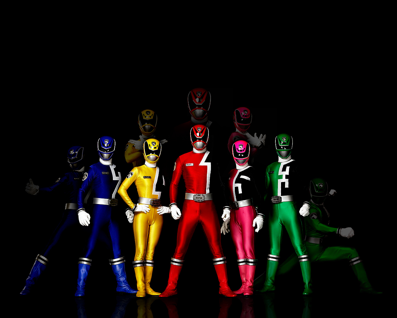 http://fc07.deviantart.com/fs15/f/2007/112/4/6/POWER_RANGERS_SPD_WALLPAPER_by_Hylian_Z.jpg