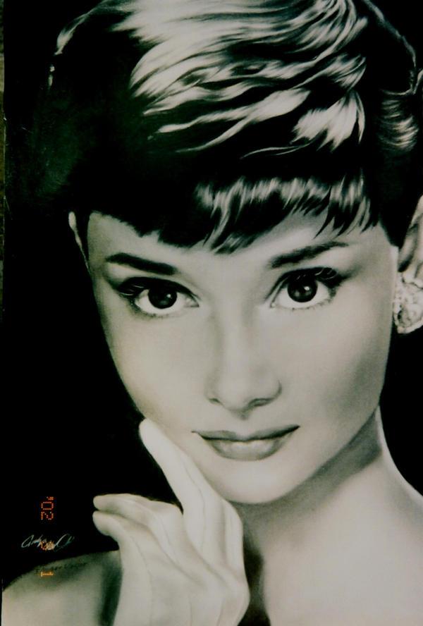 Audrey Hepburn by carlotta-guidicelli