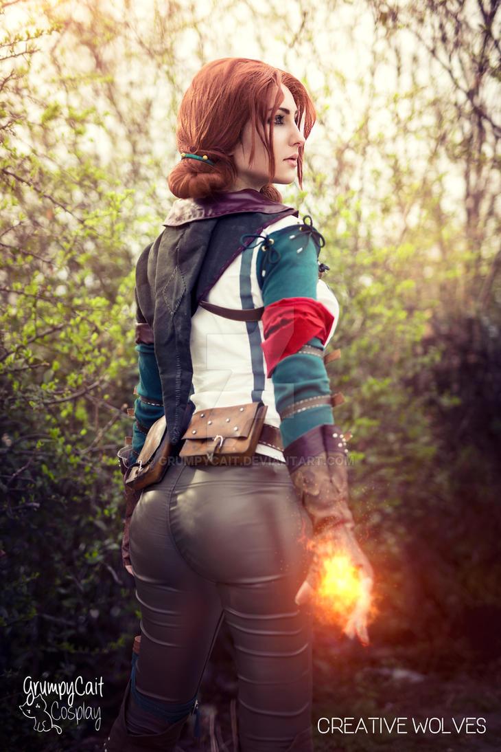 Triss cosplay by GrumpyCait