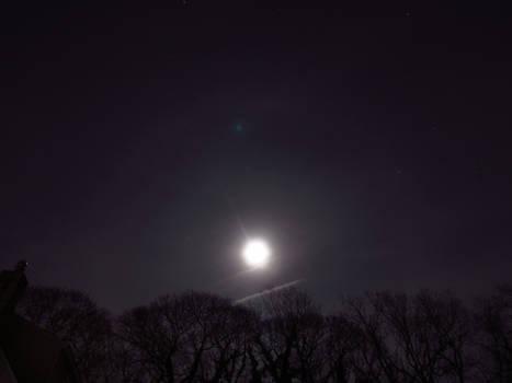 Lunar Halo and Stars