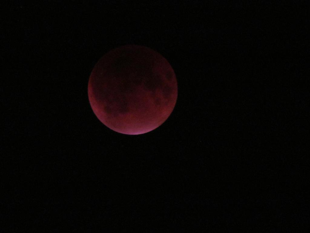 Actual Lunar Eclipse by assassin4