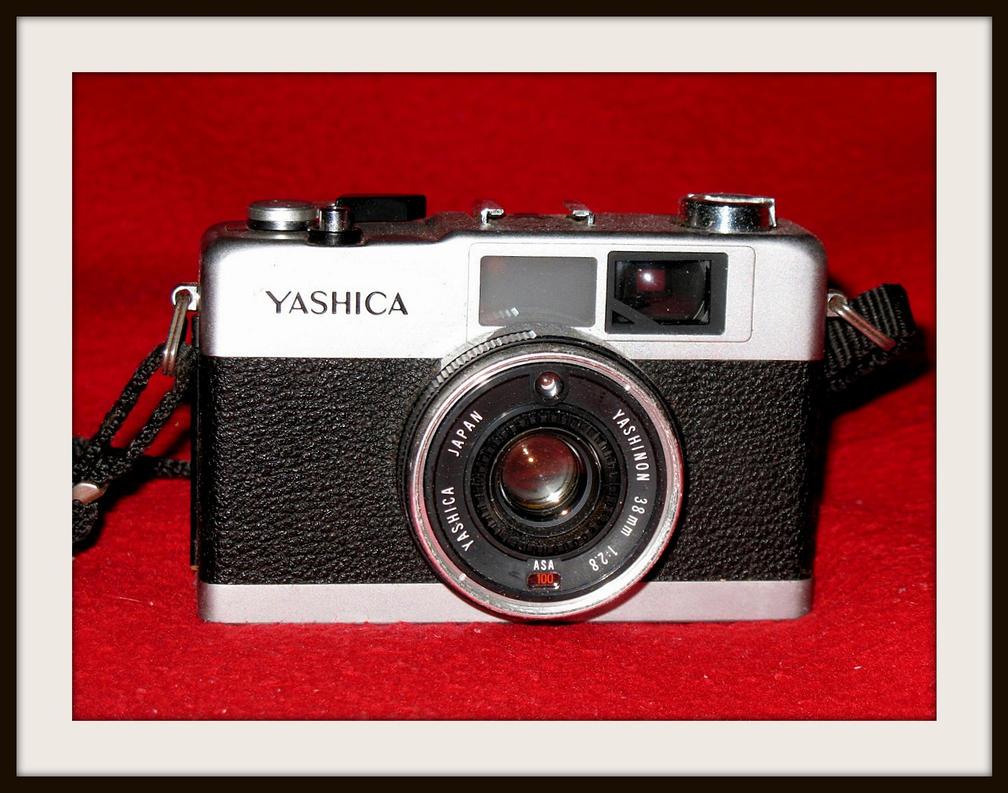 Yashica 35 ME by FallisPhoto