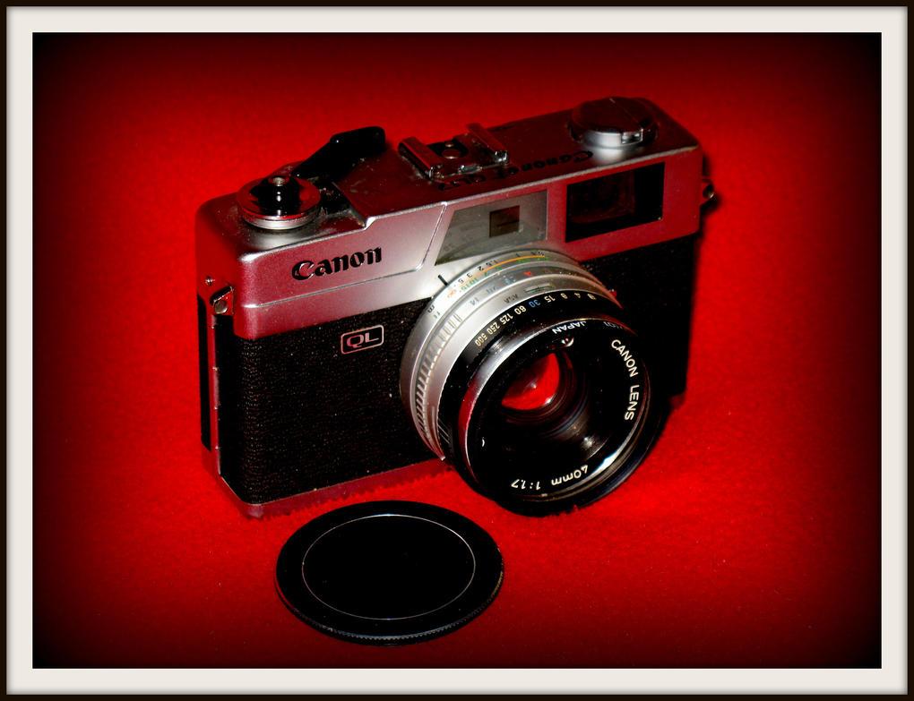 Canon QL-17 rangefinder by FallisPhoto