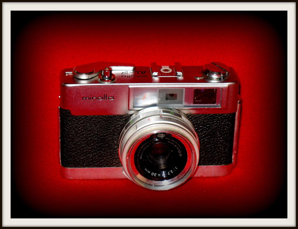 Minolta AL-F rangefinder camera by FallisPhoto