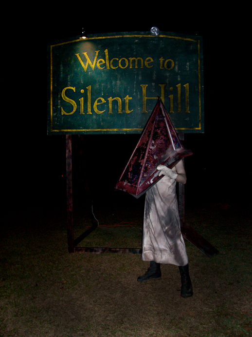 Pyramid Head welcomes you by steven725