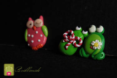 crazy frogs and an owl by briellemade