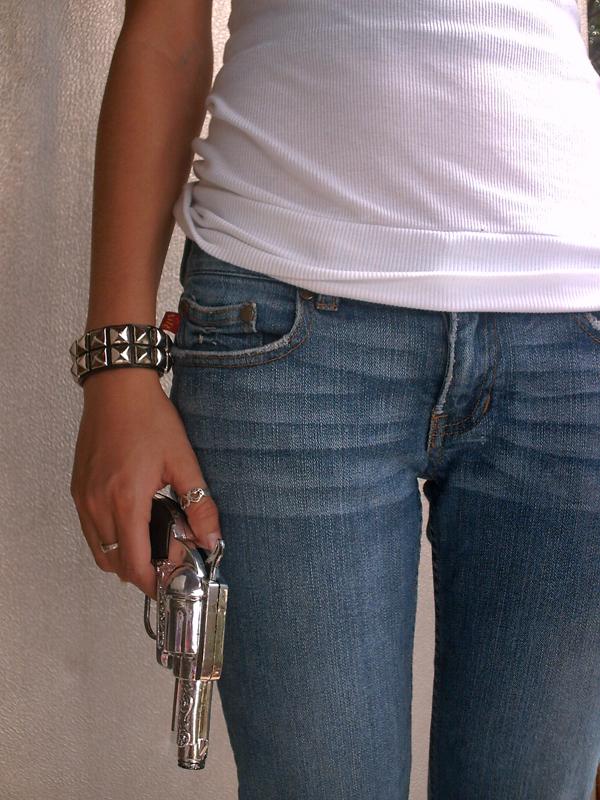 gun in hand by breakmyfall412