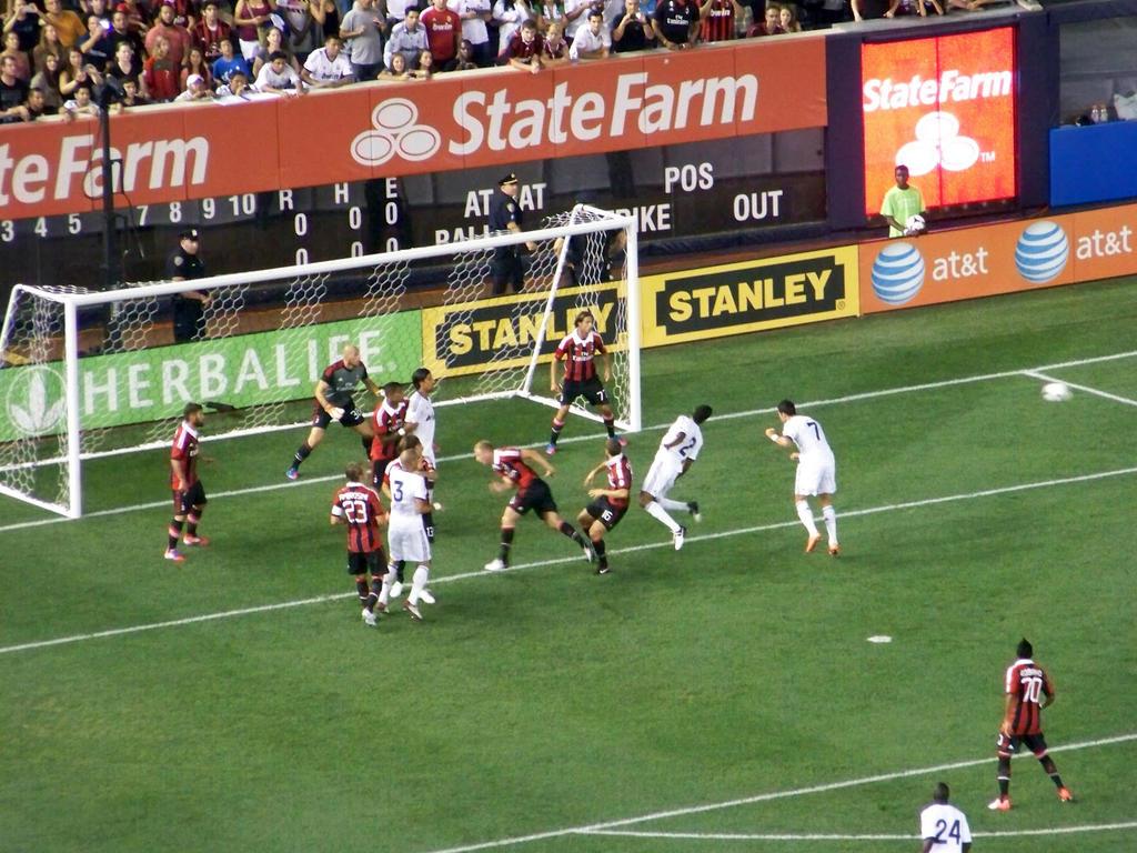 Real Madrid vs AC Milan - Corner Kick by AleksVarts
