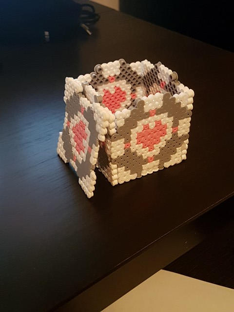 companion cube open hama