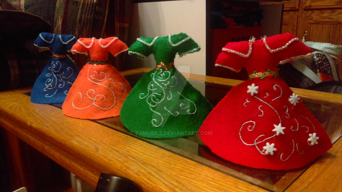 Christmas Dress Ornaments by Tamuril2