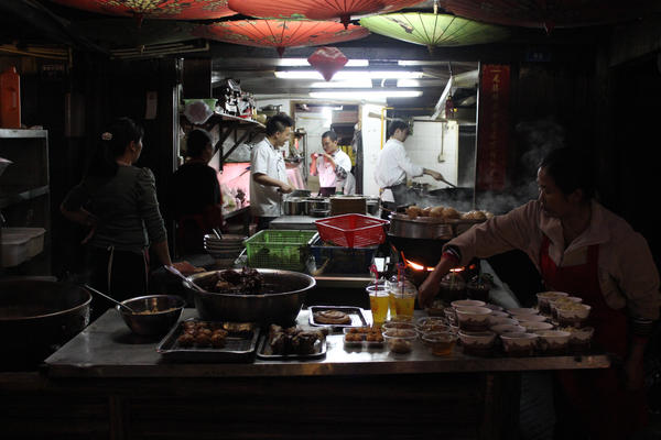 Mercado noche by clalepa