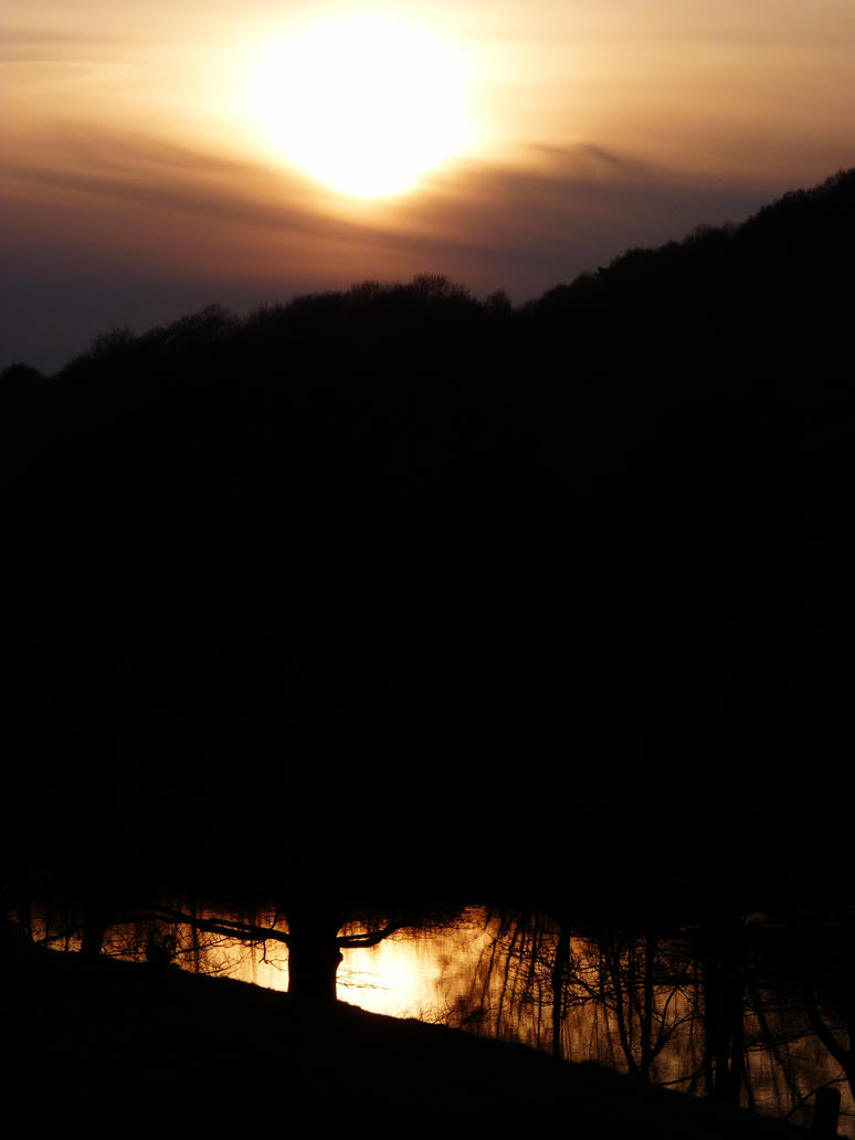 Derbyshire Sunset by Eleanor Leonne Bennett by beatmenikmy
