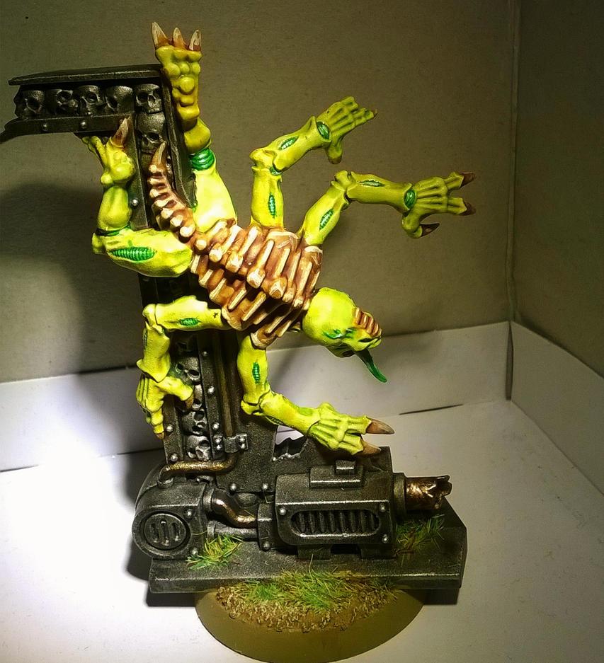 Warhammer 40k Genestealer by MirshBeskaryc