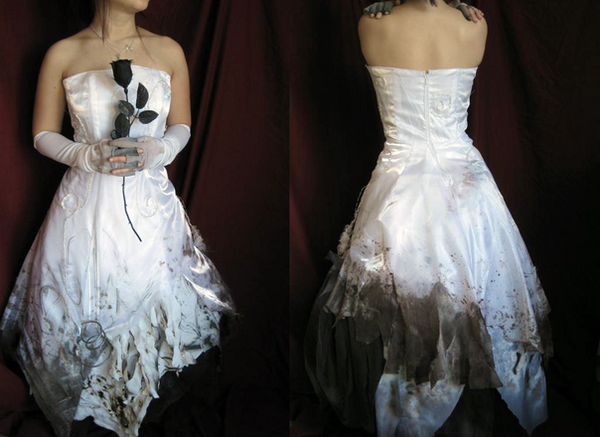 Distressed_Wedding_Gown_by_fantasia1940.png