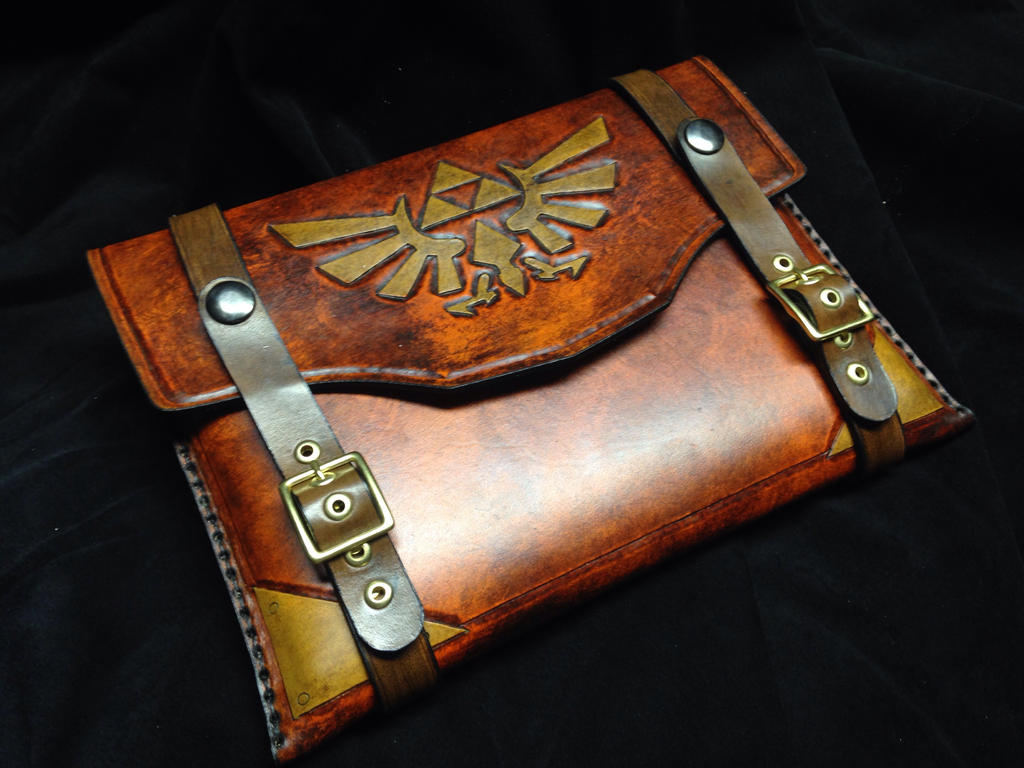 Leather Zelda tablet/iPad case by Skinz-N-Hydez