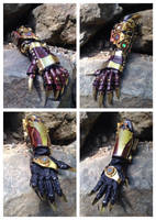 Clawed steampunk gauntlet by Skinz-N-Hydez