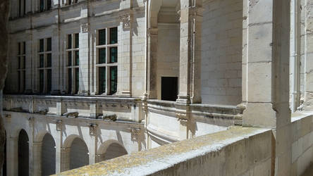 Chambord-Castle-Architecture-Perspective by HildaAlonso