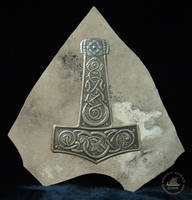 Thor's Hammer with knotwork