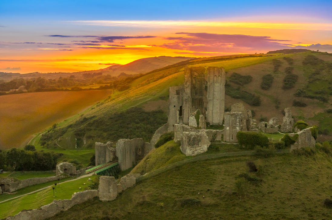 Sunset at Corfe castle. by misa2525
