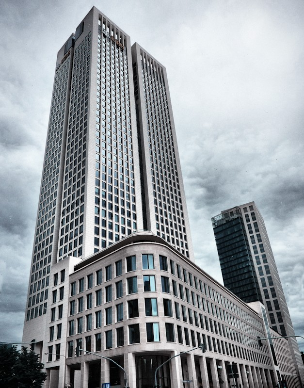 ubs building in frankfurt by cheyrek