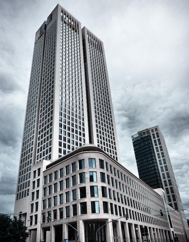 ubs building in frankfurt by cheyrek