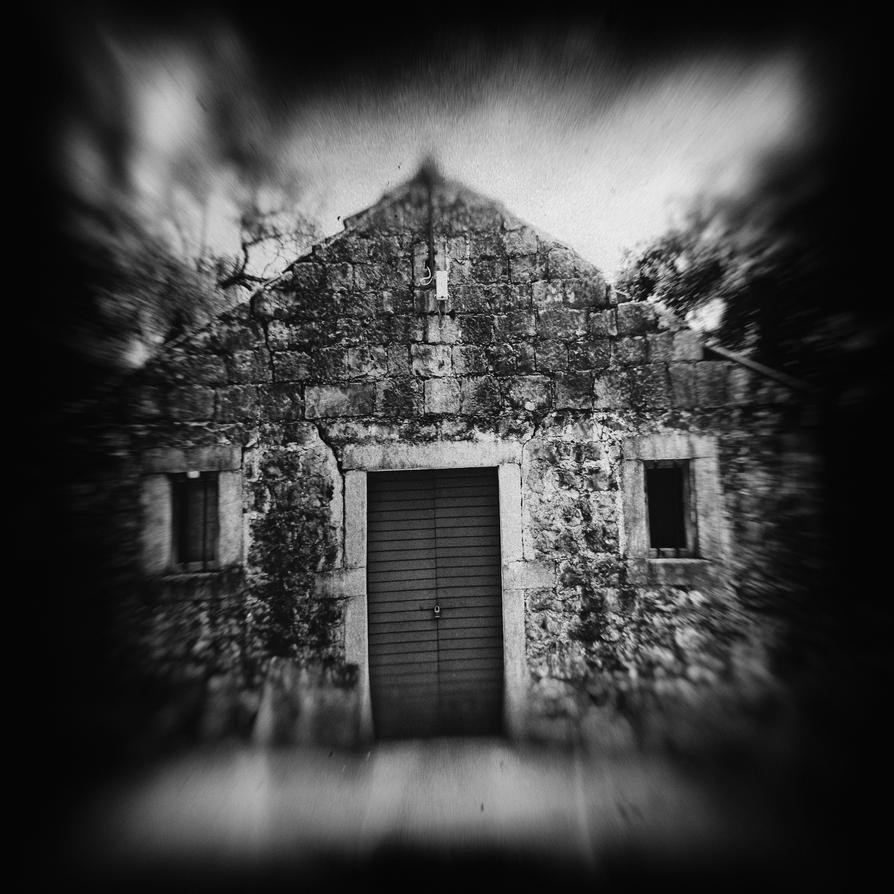 Creepy House by akki64