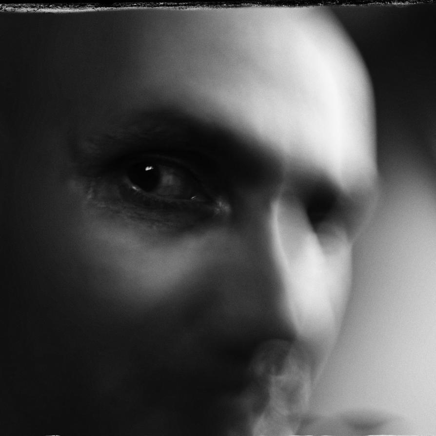 Dark Autumn Eyes by akki64
