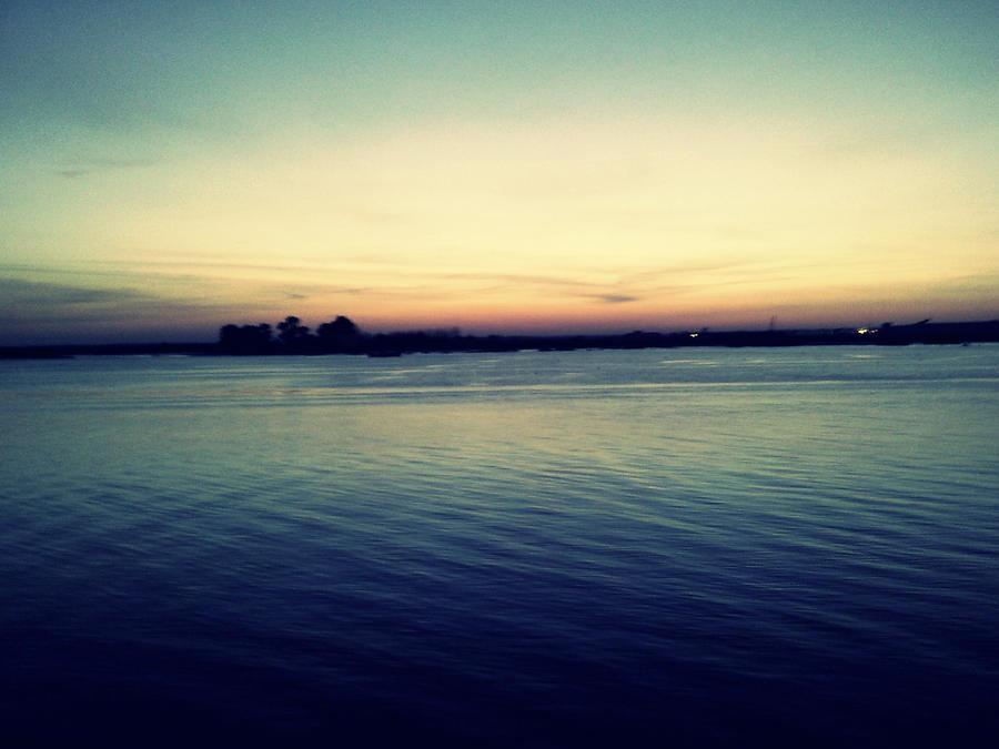 Plavo kao ... - Page 3 Sunset_On_Port_Huelva_III_by_onuba