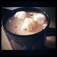 Hot Chocolate and Marshmallows by kndllalx