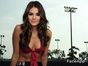 Victoria Justice as a 50 foot giantess.