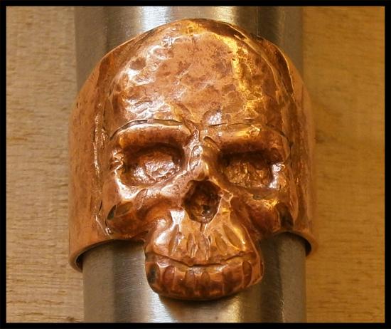 [Obrazek: repousse_exercise___skull_ring_by_simoni...7xjkp7.jpg]