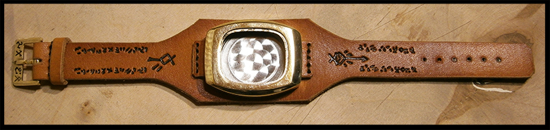 [Obrazek: handmade_skaven_motive_watch_strap_and_b...8bal6x.jpg]