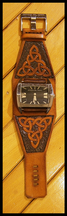 [Obrazek: celtic_knots_watch_strap_by_simoniculus-d95rssd.jpg]