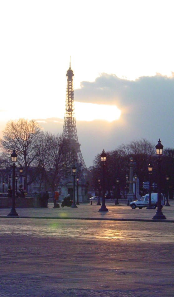 Eiffel Tower by arcanjel