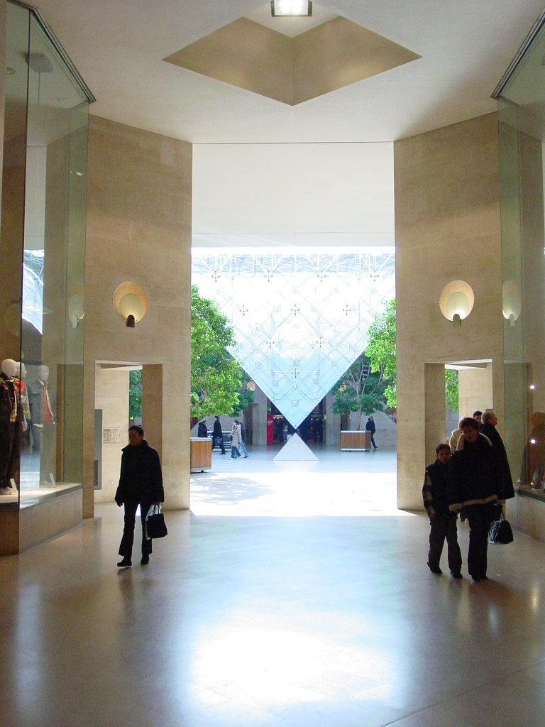 Musee du Louvre, Interior by arcanjel