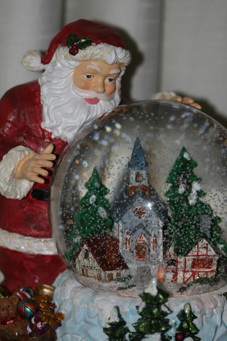 Santa Claus Waterglobe by Maeve09