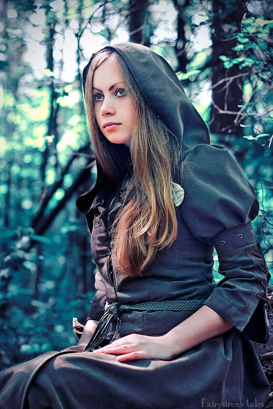 Fox Hunter II by Fairysiren