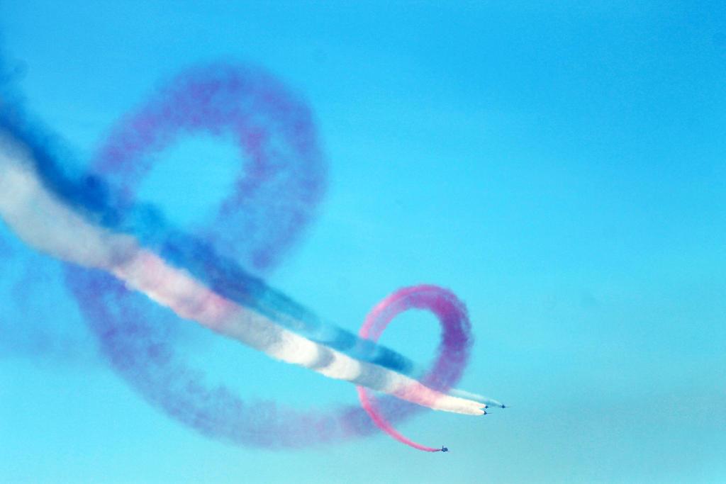 Red Arrows by 53kshun8