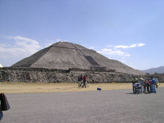 ThE tEoTiHuAcAn PyRaMiDs by A-dArK-SiDe-3-6-9-8
