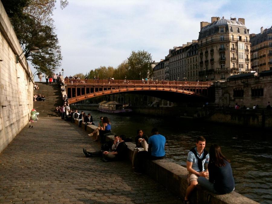 Ah, Paris by Shroomkin